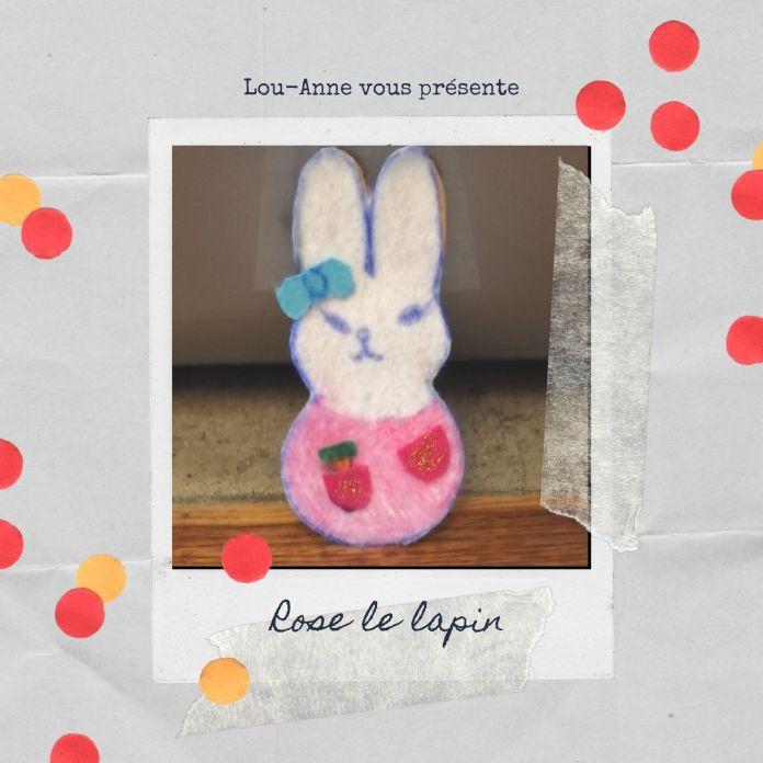 Rose le lapin aime cueillir des fleurs (Elle les donne à sa maman et à son amoureux) ainsi que des carottes !